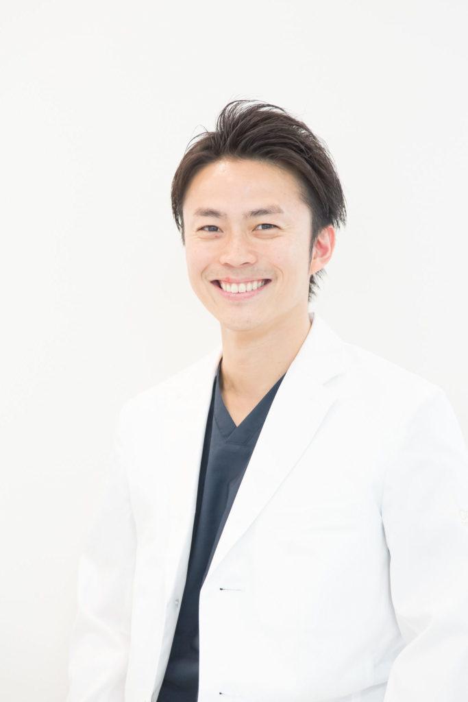 歯科医師:田口耕平