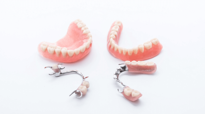 保険診療の入れ歯はいくら?料金相場や特徴