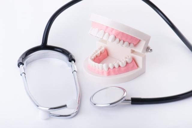 1本も歯がない人の治療法